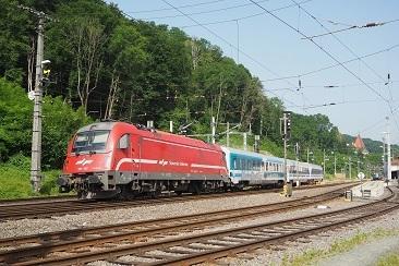 36625806-SZ-541-136607-2021-06-21-Spielfeld-Stra-EN40465-Zrich---Zagreb-Karawanken-Umleiter-1
