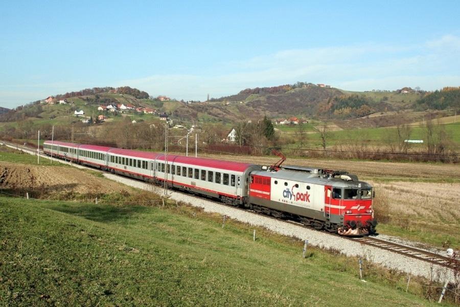 27990-342-025-IC-255-Cirknica-13-11-09a