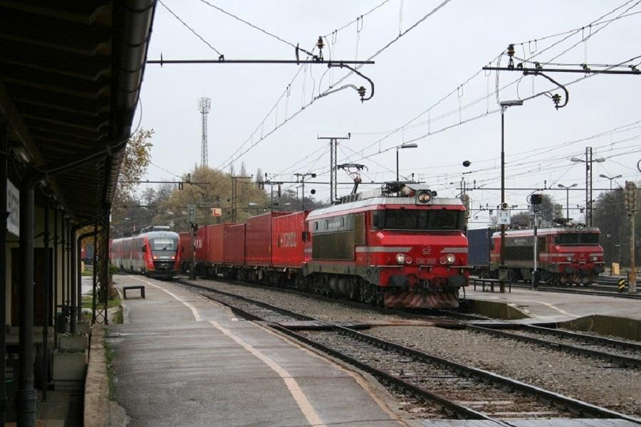 KM-30730-Pragersko-363-032-und-018-am-10-November-2010