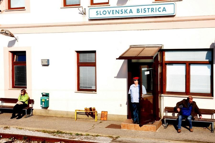 IXKM-31500-Fahrdienstleitung-Slovenska-Bistrica-am-22-Oktober-2012