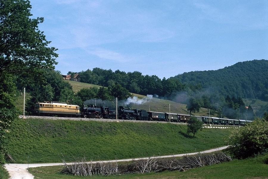 KM-32550-342-x-mit-25-005-und-GKB-563115-in-Poljcane-Dolga-Gora-am-01-Juni-1996