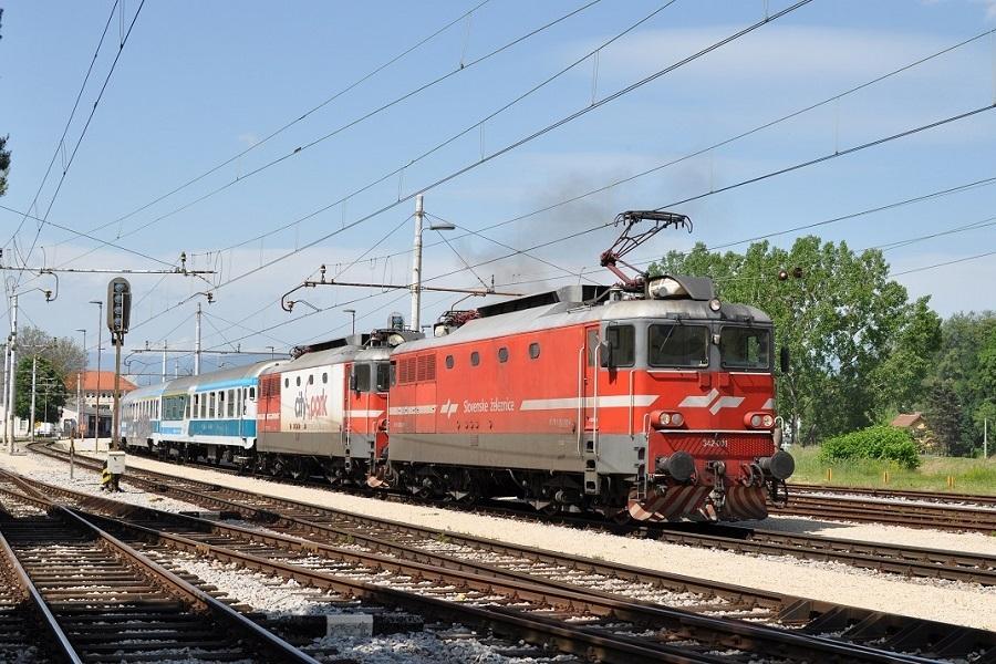 KM-35765-342-001-Celje-mit-342-025-vor-MV246CITADELLA-28052016