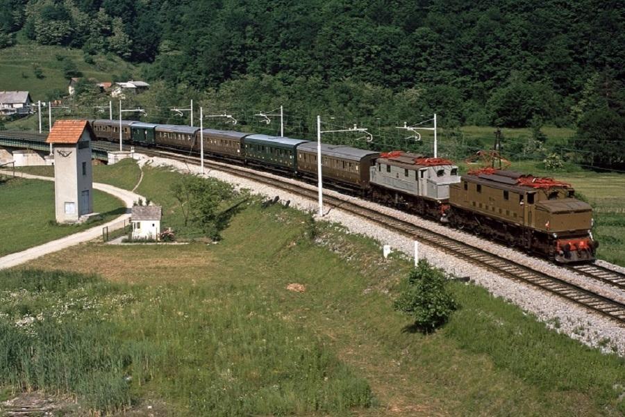 KM-36500-E626238--059-Lasko-01061996