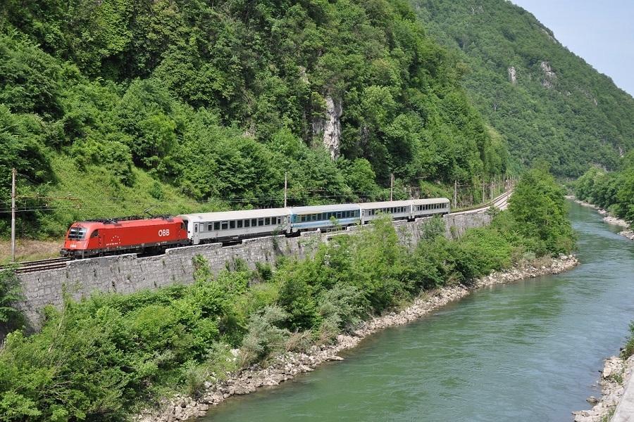 KM-40302-1216-143-EC210-SAVA-in-der-Saveschlucht-bei-Sva-20052012