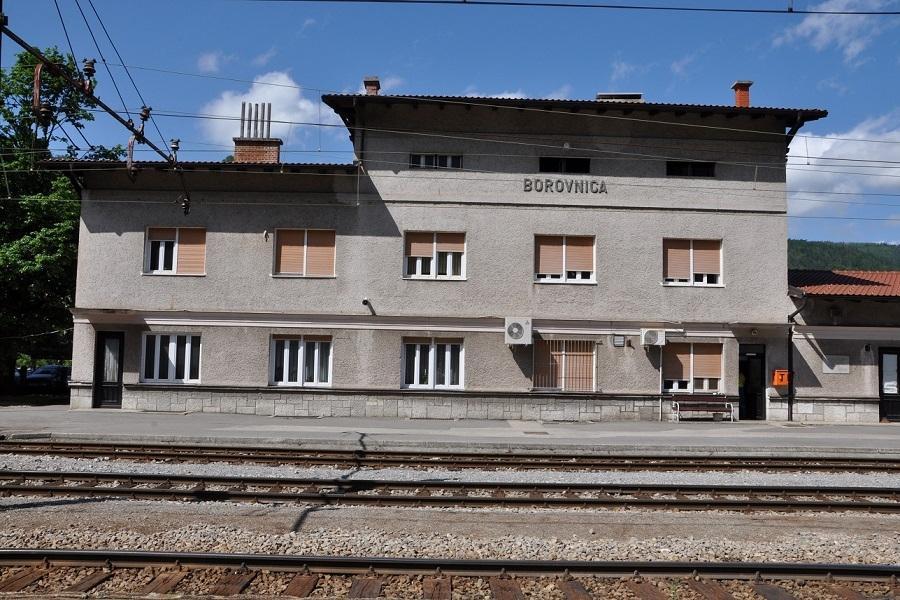 KM-46700-Bahnhof-Borovnica-07052015